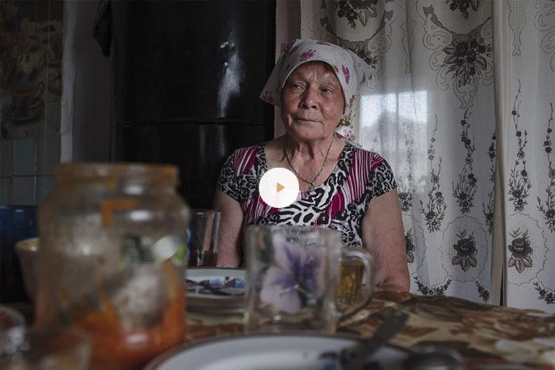 Нина Ганькина поет